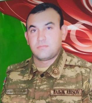 Babək Abışov:  Düşmənin üç səngərini yarıb